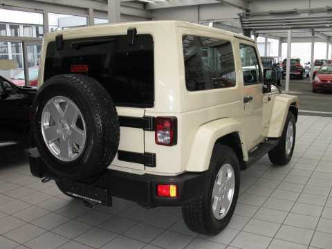verkauft jeep wrangler 3 8 sahara ahk gebraucht 2011 52. Black Bedroom Furniture Sets. Home Design Ideas