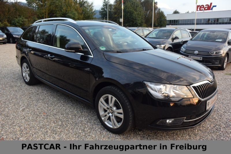 gebraucht combi ambition panorama dach skoda superb 2014 km in freiburg. Black Bedroom Furniture Sets. Home Design Ideas