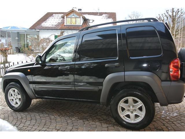verkauft jeep cherokee 2 8 crd limited gebraucht 2003 km in offenbach. Black Bedroom Furniture Sets. Home Design Ideas