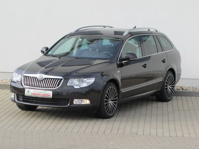 gebraucht combi laurin klement 4x4 dsg skoda superb 2013 km in bischofswerda. Black Bedroom Furniture Sets. Home Design Ideas