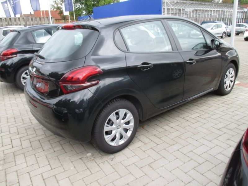verkauft peugeot 208 active klima abs gebraucht 2016 km in papenburg. Black Bedroom Furniture Sets. Home Design Ideas