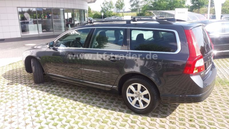verkauft volvo v70 d3 geartronic summum gebraucht 2011 km in gelsenkirchen. Black Bedroom Furniture Sets. Home Design Ideas