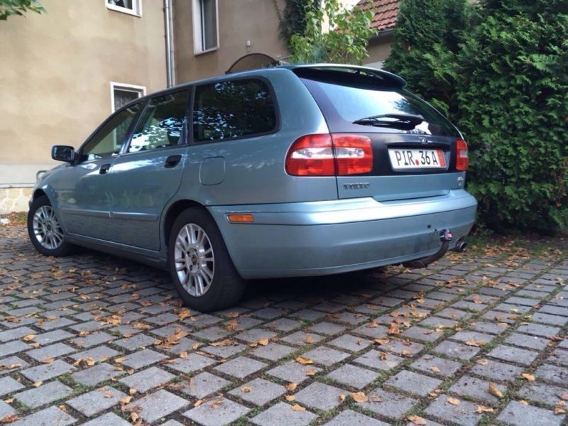 verkauft volvo v40 1 8 gebraucht 2003 km in pirna. Black Bedroom Furniture Sets. Home Design Ideas
