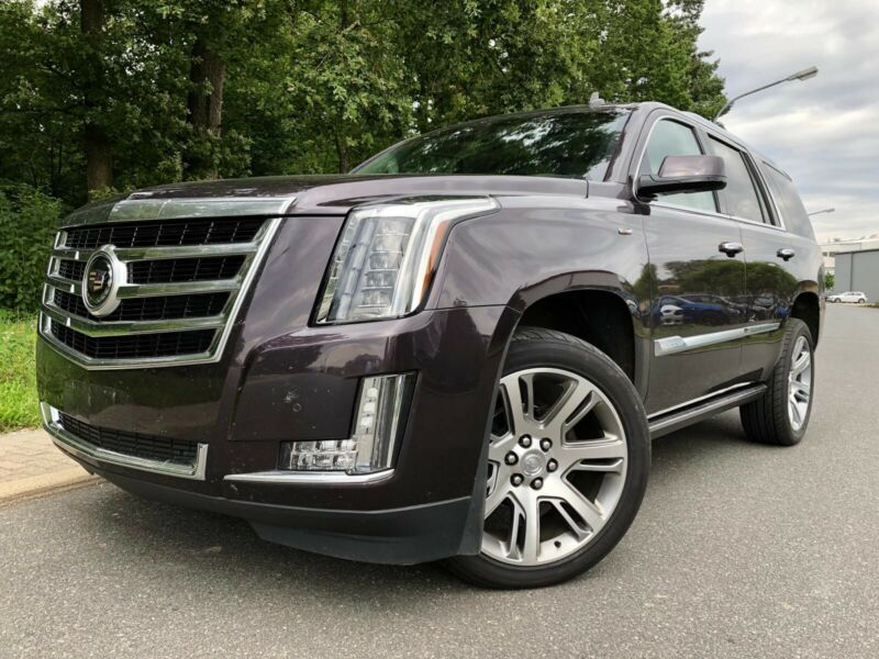 gebraucht 2015 cadillac escalade 6 2 lpg hybrid 420 ps 74731 walld rn autouncle. Black Bedroom Furniture Sets. Home Design Ideas