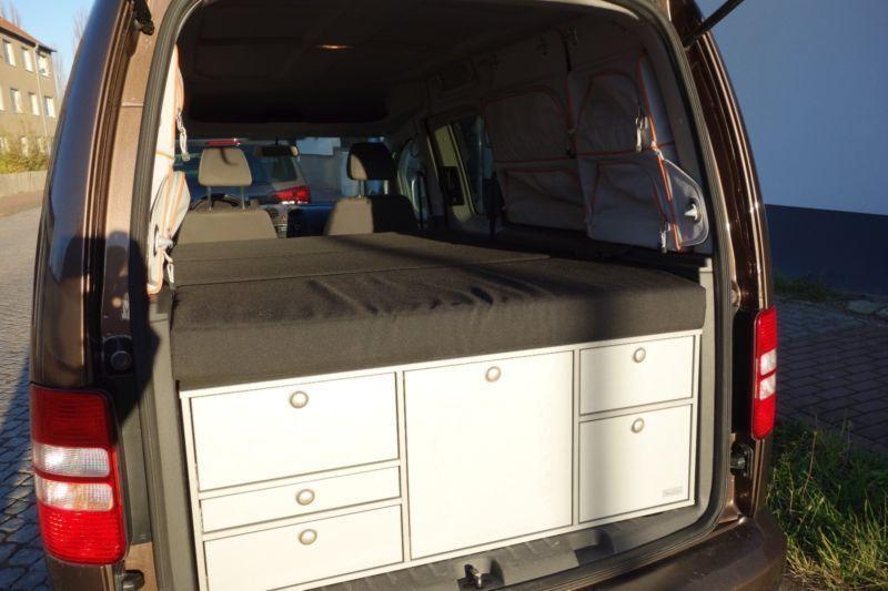 verkauft vw caddy maxi 7 sitzer 4mot gebraucht 2011. Black Bedroom Furniture Sets. Home Design Ideas