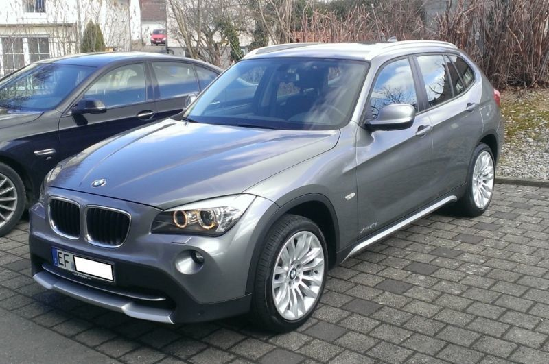 verkauft bmw x1 xdrive20d xline gebraucht 2011 km. Black Bedroom Furniture Sets. Home Design Ideas