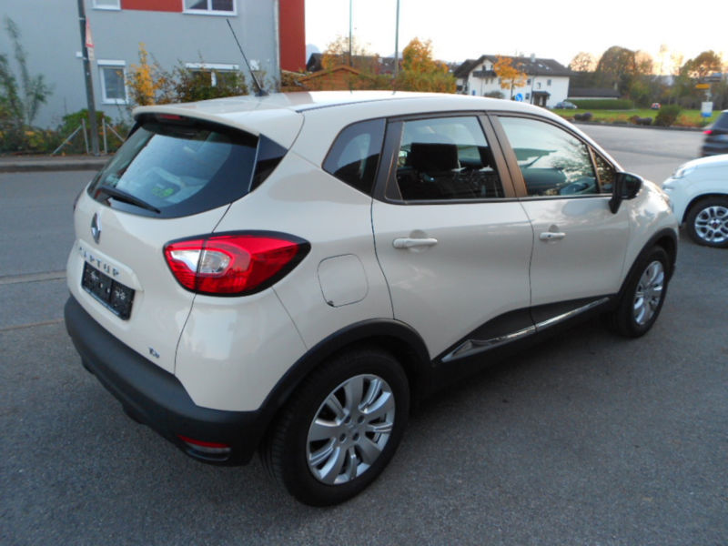 verkauft renault captur dynamique tce gebraucht 2014 km in kolbermoor. Black Bedroom Furniture Sets. Home Design Ideas
