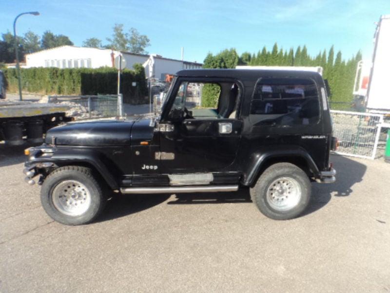 verkauft jeep wrangler 4 0 plane sport gebraucht 1992 km in landsberg am lech. Black Bedroom Furniture Sets. Home Design Ideas