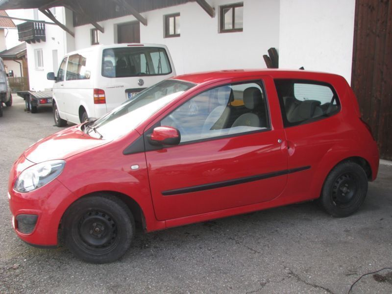 verkauft renault twingo eco2 gebraucht 2010 km in traunstein. Black Bedroom Furniture Sets. Home Design Ideas