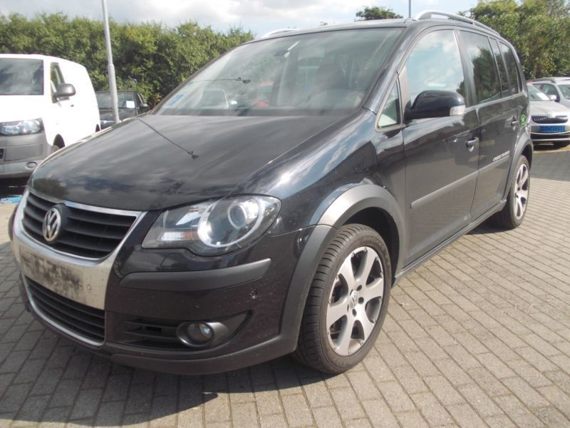verkauft vw touran cross touran 2 0 td gebraucht 2007 km in forchheim. Black Bedroom Furniture Sets. Home Design Ideas