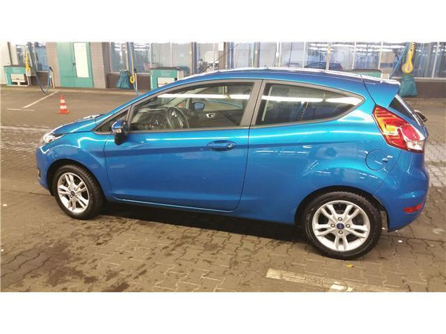 Ford Fiesta Lagun Blau