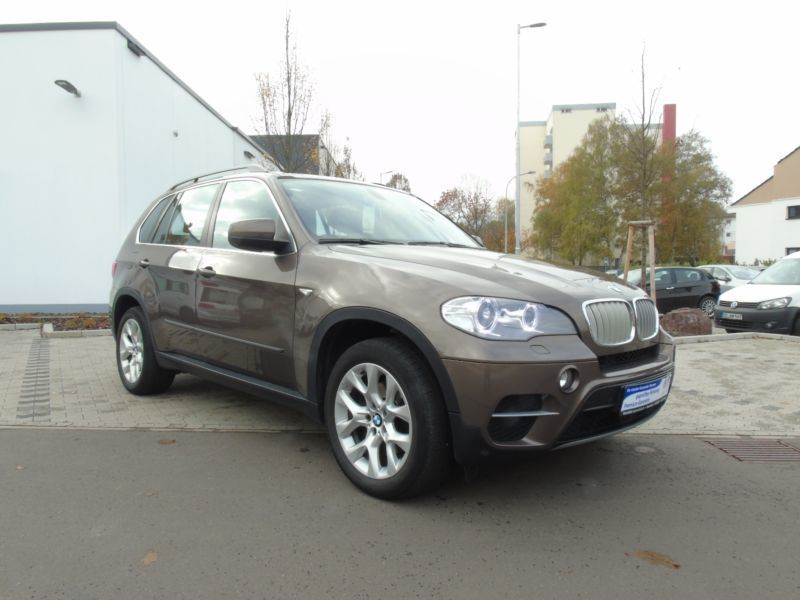 verkauft bmw x5 xdrive30d komfortsit gebraucht 2011 km in saarlouis. Black Bedroom Furniture Sets. Home Design Ideas