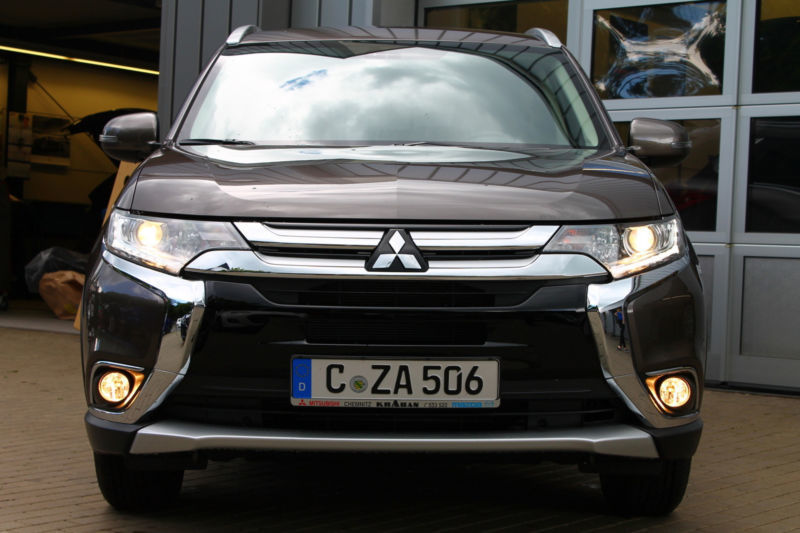 verkauft mitsubishi outlander 2 0 2wd gebraucht 2016 km in chemnitz. Black Bedroom Furniture Sets. Home Design Ideas