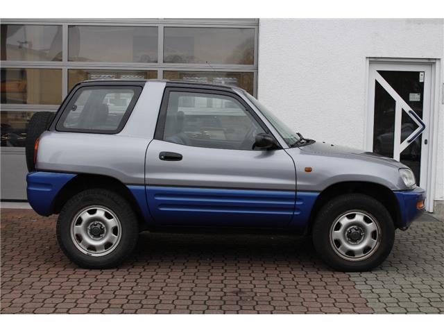 verkauft toyota rav4 automatik allrad gebraucht 1996 km in eggenstein. Black Bedroom Furniture Sets. Home Design Ideas