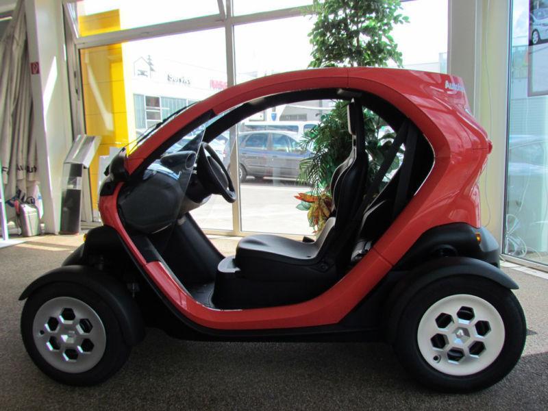 twizy gebrauchte renault twizy kaufen 72 g nstige autos zum verkauf. Black Bedroom Furniture Sets. Home Design Ideas