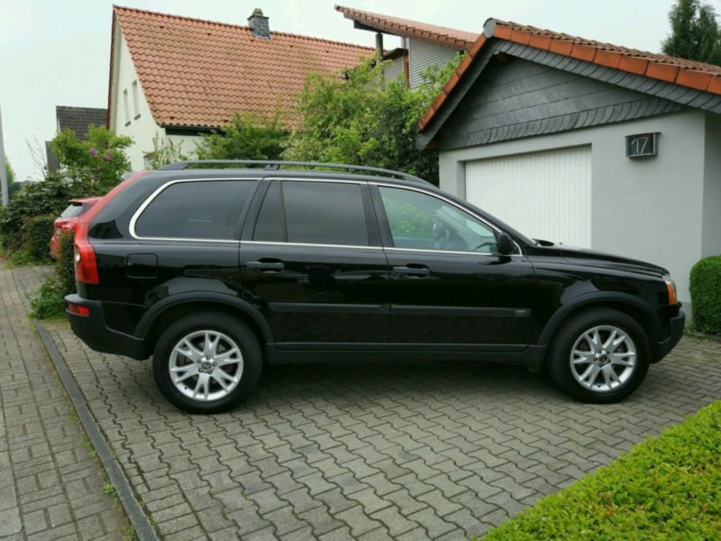 verkauft volvo xc90 d5 summum gebraucht 2006 km in essen. Black Bedroom Furniture Sets. Home Design Ideas