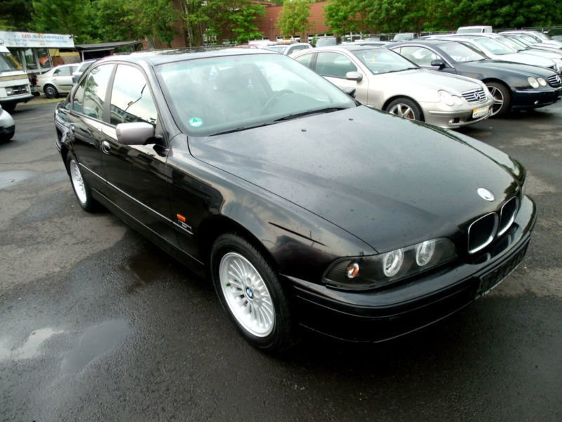 verkauft bmw 520 baureihe 5 lim i 2 h gebraucht 1999 km in kassel. Black Bedroom Furniture Sets. Home Design Ideas