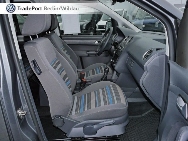 verkauft vw caddy maxi tramper 2 0 tdi gebraucht 2015 km in wildau. Black Bedroom Furniture Sets. Home Design Ideas