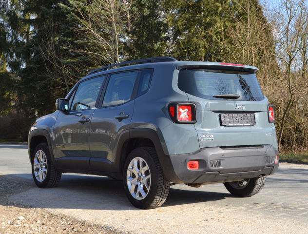 verkauft jeep renegade 2 0 multijet 4w gebraucht 2014 km in plankenfels. Black Bedroom Furniture Sets. Home Design Ideas