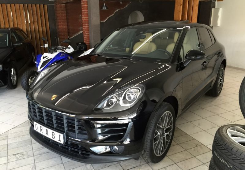 gebraucht 2 0l pdk porsche macan 2016 km 10 in d sseldorf. Black Bedroom Furniture Sets. Home Design Ideas