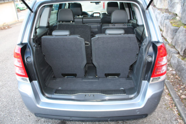 verkauft opel zafira 2 2 innovation 1 gebraucht 2010. Black Bedroom Furniture Sets. Home Design Ideas