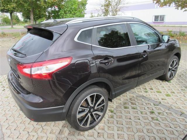 verkauft nissan qashqai tekna 1 2 dig gebraucht 2015 km in leipzig. Black Bedroom Furniture Sets. Home Design Ideas