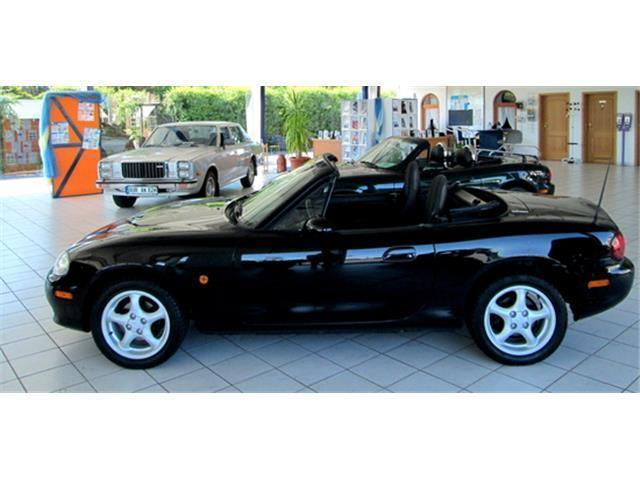 verkauft mazda mx5 cabrio roadster 1 6 gebraucht 2001. Black Bedroom Furniture Sets. Home Design Ideas