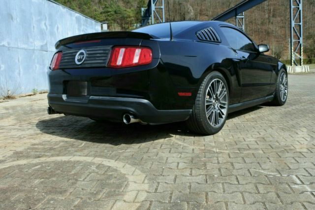 verkauft ford mustang gt gt 4 6ltr v8 gebraucht 2010 km in schelklingen. Black Bedroom Furniture Sets. Home Design Ideas