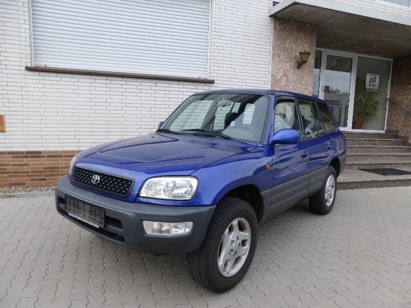 verkauft toyota rav4 funcruiser basis gebraucht 1999 km in pfedelbach. Black Bedroom Furniture Sets. Home Design Ideas