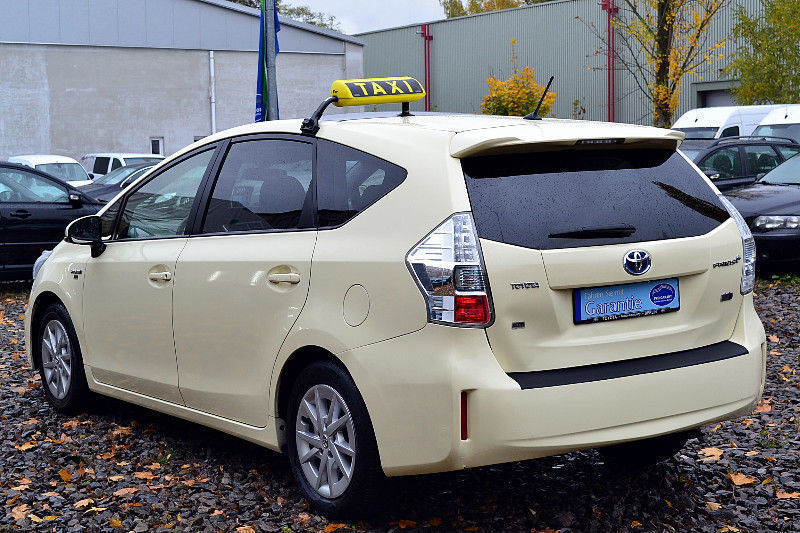 verkauft toyota prius hybrid executi gebraucht 2012. Black Bedroom Furniture Sets. Home Design Ideas