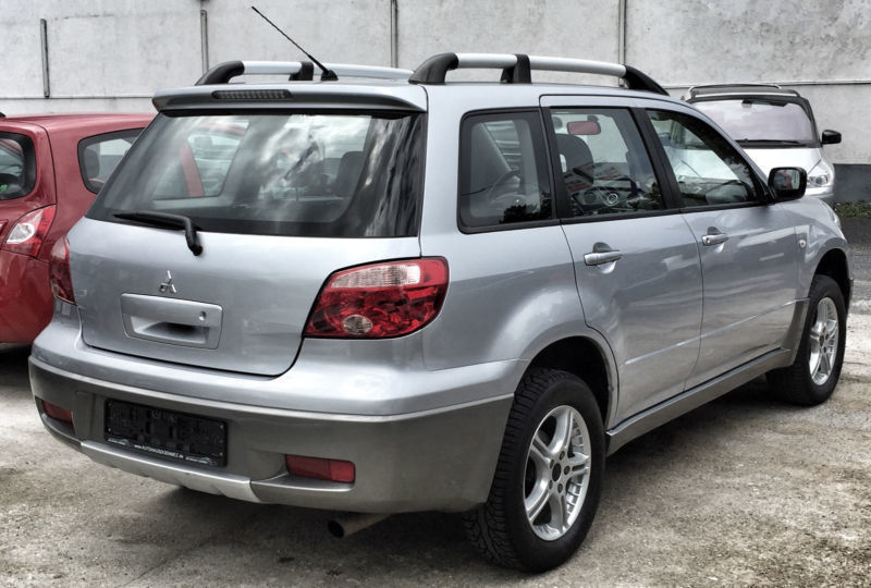 verkauft mitsubishi outlander 2 0 4wd gebraucht 2005 km in bad. Black Bedroom Furniture Sets. Home Design Ideas