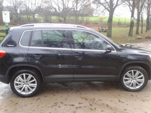 verkauft vw tiguan 2 0 tsi 4motion aut gebraucht 2010 km in steinburg. Black Bedroom Furniture Sets. Home Design Ideas