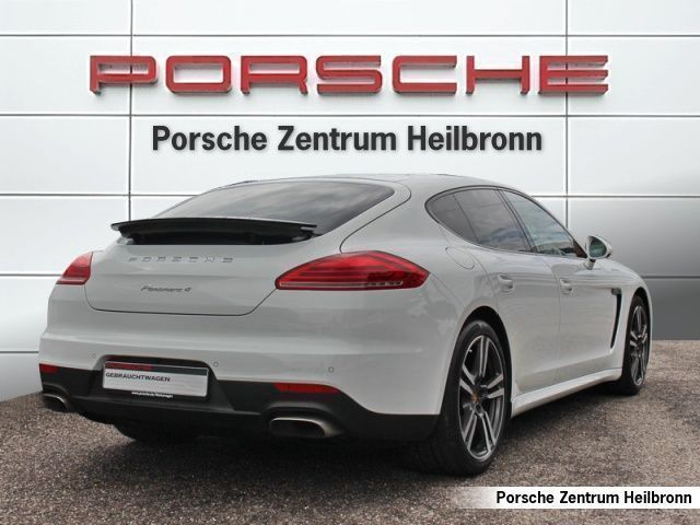 panamera 4 gebrauchte porsche panamera 4 kaufen 63. Black Bedroom Furniture Sets. Home Design Ideas