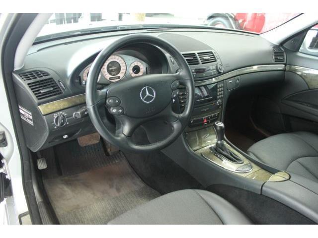 gebraucht kompressor navi pdc automatik mercedes e200 2007 km in meerbusch. Black Bedroom Furniture Sets. Home Design Ideas
