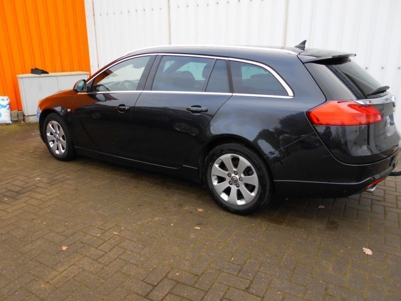 verkauft opel insignia sports tourer 2 gebraucht 2012 km in bremen. Black Bedroom Furniture Sets. Home Design Ideas