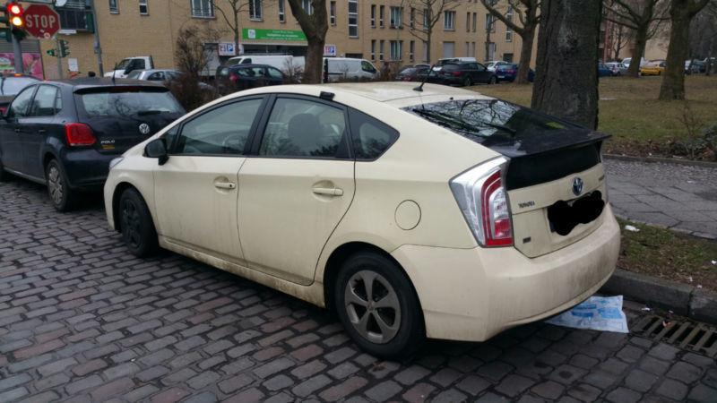 verkauft toyota prius hybrid gebraucht 2012 km in berlin. Black Bedroom Furniture Sets. Home Design Ideas