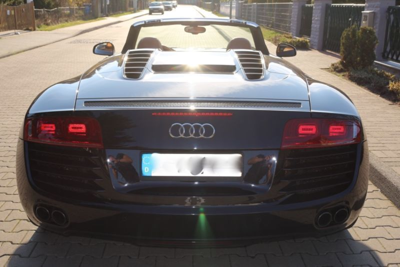 verkauft audi r8 spyder 4 2 fsi quattr gebraucht 2012 km in berlin. Black Bedroom Furniture Sets. Home Design Ideas