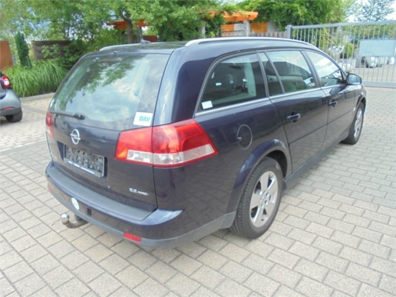 gebraucht c caravan elegance opel vectra 2004 km in butzbach. Black Bedroom Furniture Sets. Home Design Ideas