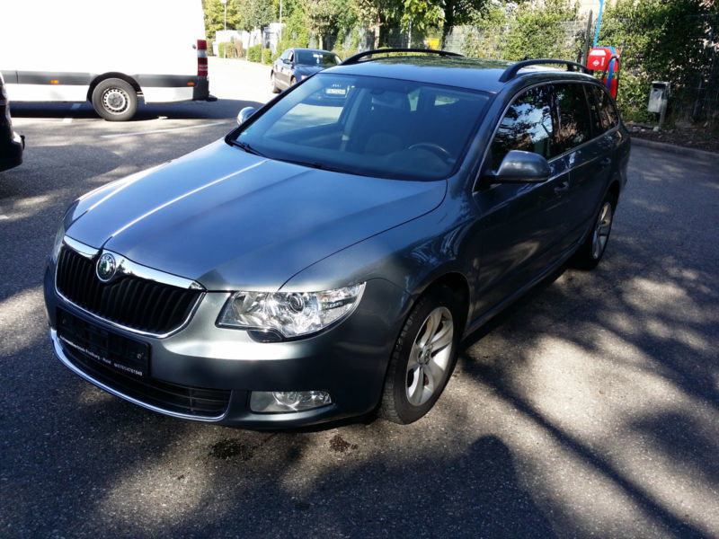 verkauft skoda superb combi ambition gebraucht 2012 km in freiburg. Black Bedroom Furniture Sets. Home Design Ideas