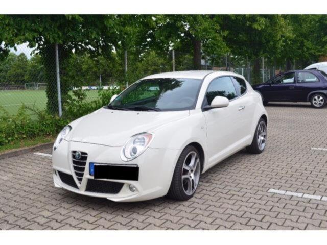 verkauft alfa romeo mito tb 1 4 16v mu gebraucht 2010 km in frankfurt am main. Black Bedroom Furniture Sets. Home Design Ideas