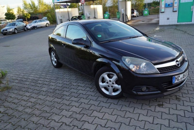 verkauft opel astra gtc gebraucht 2006 km in mainz. Black Bedroom Furniture Sets. Home Design Ideas