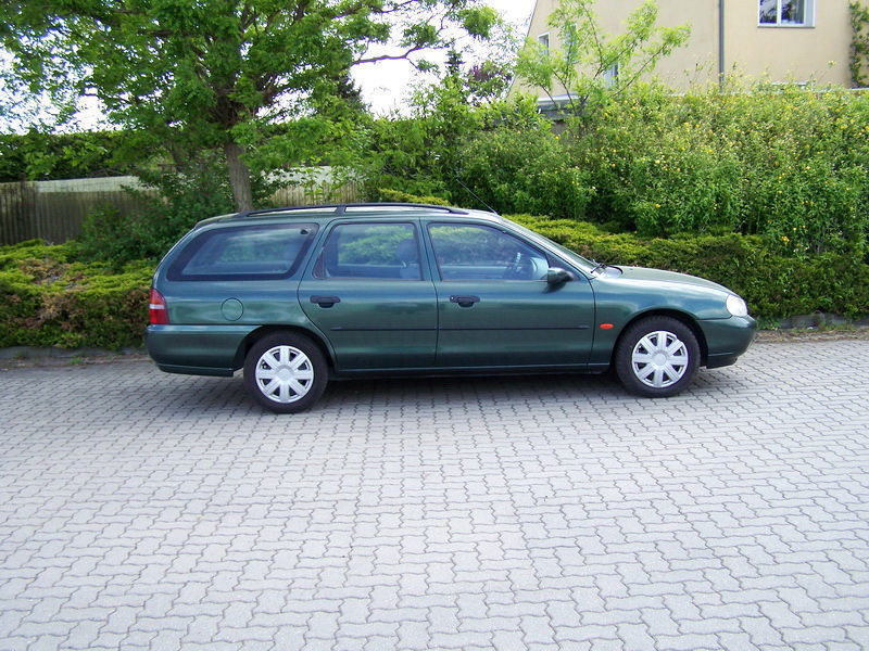 verkauft ford mondeo turnier 16v clx gebraucht 1998 km in wuppertal. Black Bedroom Furniture Sets. Home Design Ideas