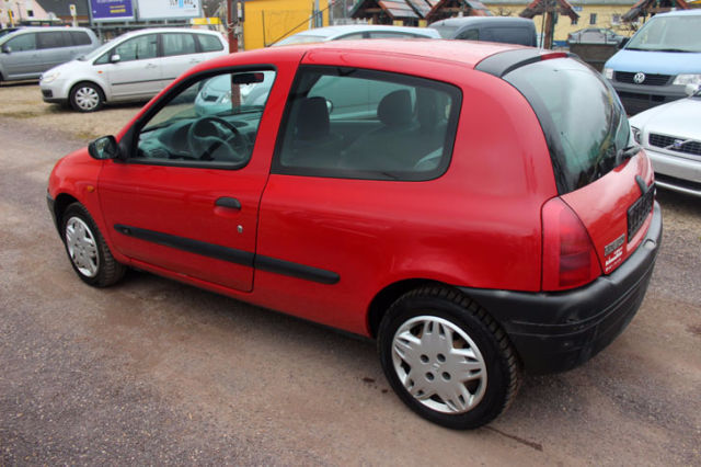 verkauft renault clio 1 2 gebraucht 1999 km in berlin. Black Bedroom Furniture Sets. Home Design Ideas