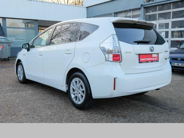 verkauft toyota prius hybrid 7 sitze gebraucht 2013 km in d sseldorf. Black Bedroom Furniture Sets. Home Design Ideas