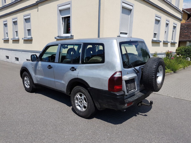 verkauft mitsubishi pajero 3 2 di d gebraucht 2005 km in lindau. Black Bedroom Furniture Sets. Home Design Ideas