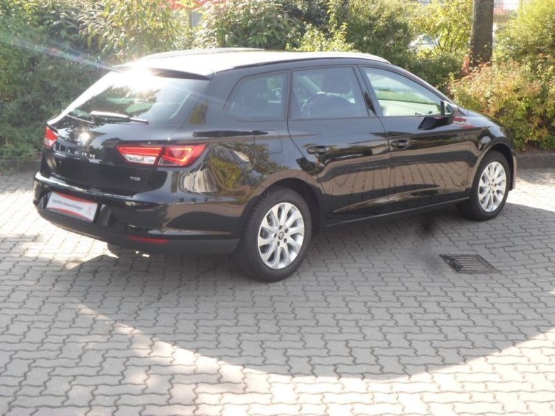 gebraucht 2 0 tdi style kombi diesel seat leon st 2016 km in leipzig. Black Bedroom Furniture Sets. Home Design Ideas