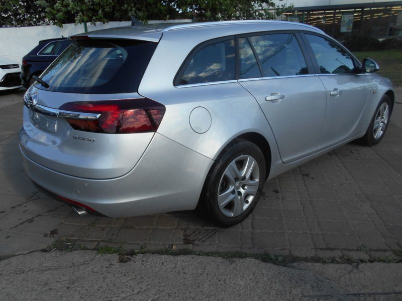 verkauft opel insignia sports tourer e gebraucht 2014 km in berlin. Black Bedroom Furniture Sets. Home Design Ideas