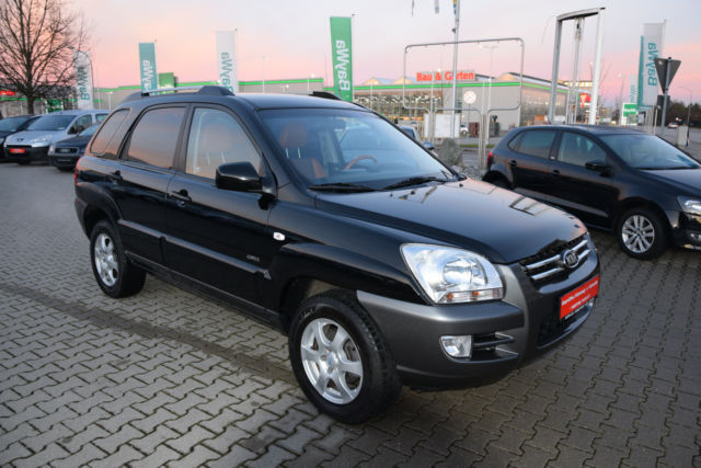 verkauft kia sportage 2 7 v6 ex gebraucht 2006 km in poing. Black Bedroom Furniture Sets. Home Design Ideas