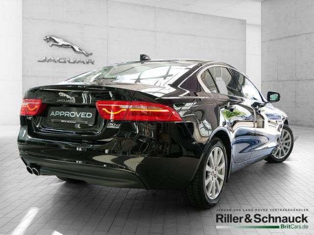 verkauft jaguar xe 20d pure awd pdc sh gebraucht 2017. Black Bedroom Furniture Sets. Home Design Ideas