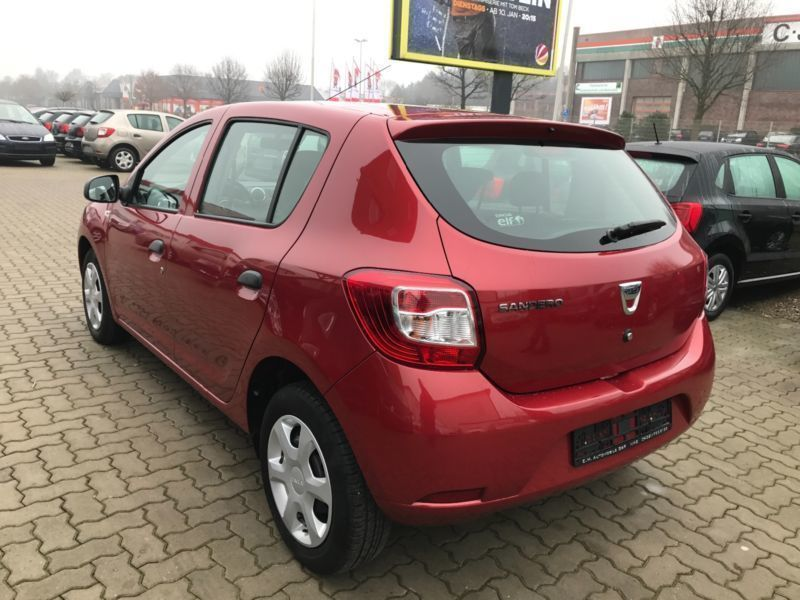 verkauft dacia sandero 1 2 16v 75 arct gebraucht 2015 130 km in mallersdorf pfaff. Black Bedroom Furniture Sets. Home Design Ideas